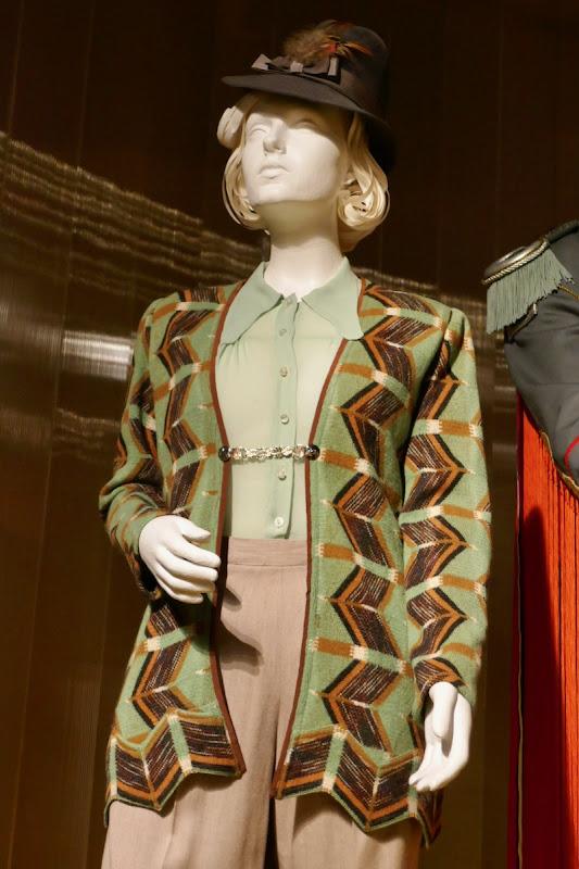 Scarlett Johansson Jojo Rabbit Rosie Betzler costume