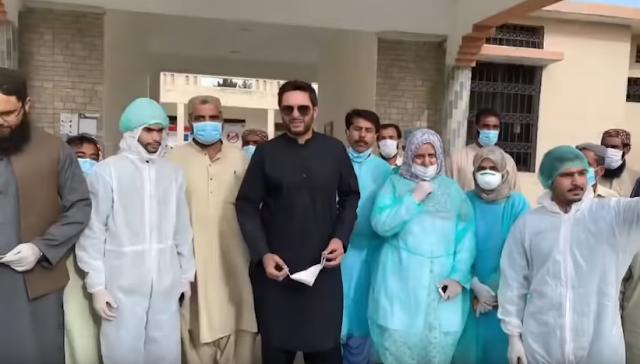 SHAHID AFRIDI HELPS HINDUS IN PAKISTAN