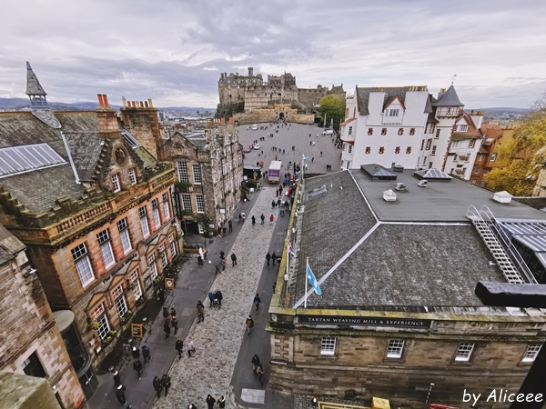 camera-obscura-Edinburgh-rooftop-view