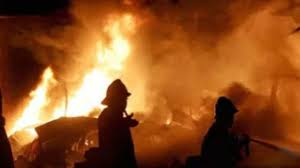 Explosion after fire in textile warehouse, four people died