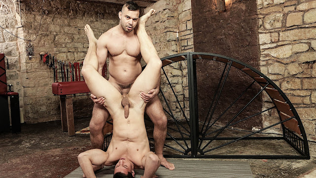 Used Muscle – Dee*, Peter One