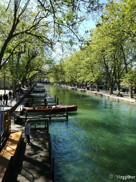 Il caratteristico Canale del Vassé e le sue imbarcazioni