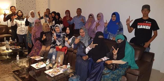 Partai Emak-Emak Mulai Kepakkan Sayap Di Surabaya