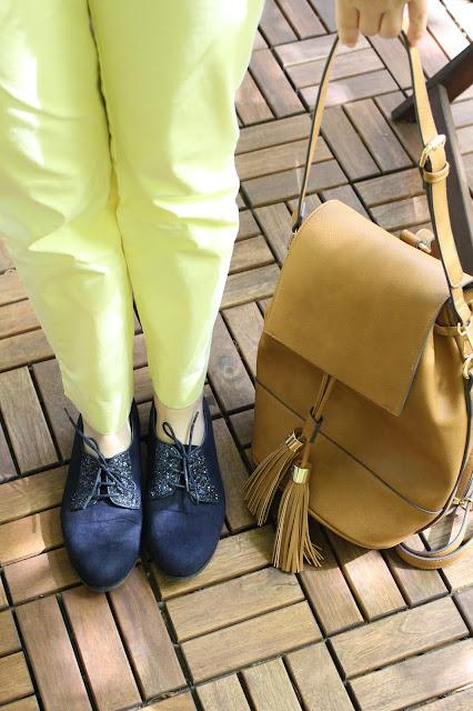 sac à dos camel à pompom C&A