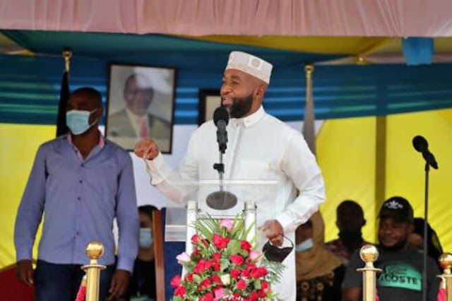 Kilifi governor Amason Kingi and his Mombasa County counterpart Hassan Joho  photo