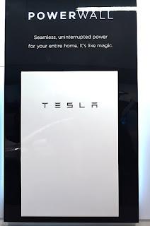 tesla powerwall, tesla, baterai dinding, teknologi baterai tesla, sinar surya, listrik sinar surya