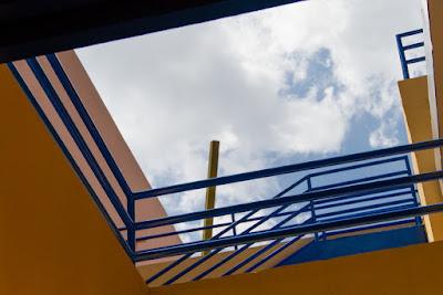Hotel Santigo (Santiago de Cuba), by Guillermo Aldaya / PhotoConversa