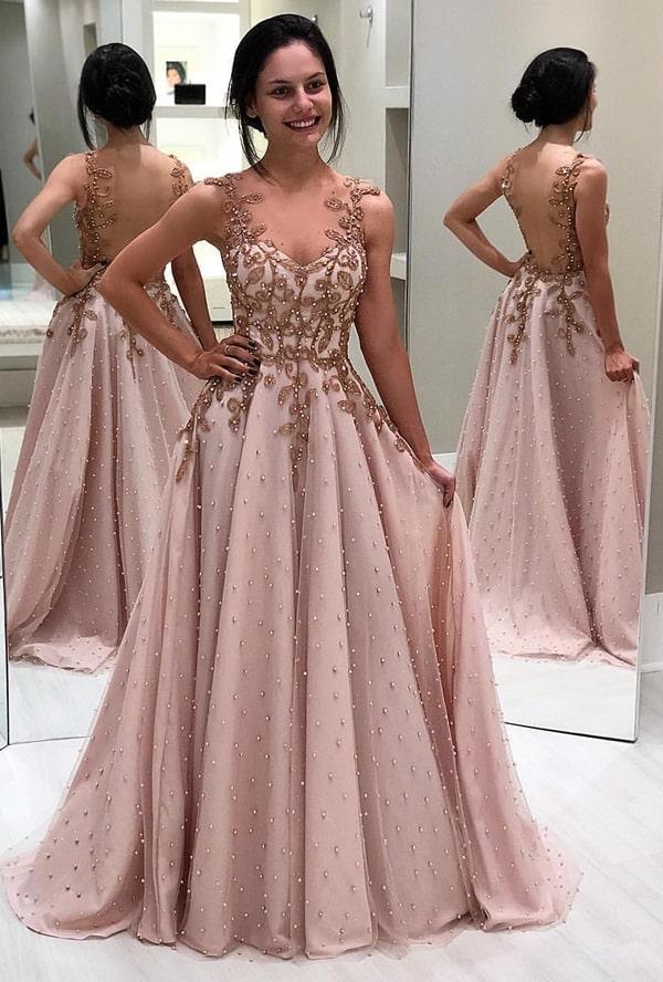 vestido de festa rose estilo princesa com aplicação de pérolas