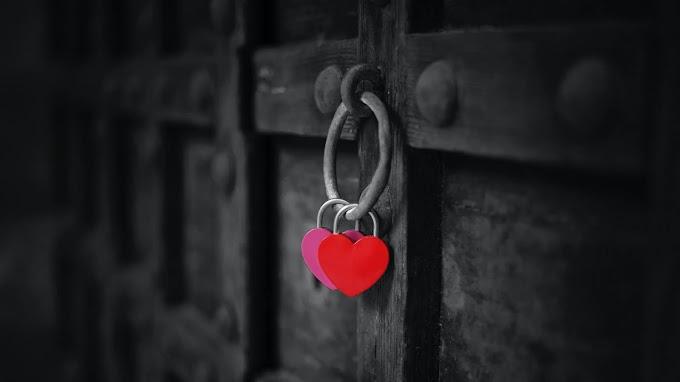 Papel de Parede Celular Corações no Portão