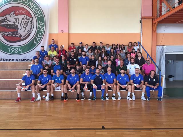 Προετοιμασία πραγματοποιούν στη Νέα Κίο οι Εθνικές Ομάδες Handball Ανδρών και Νέων