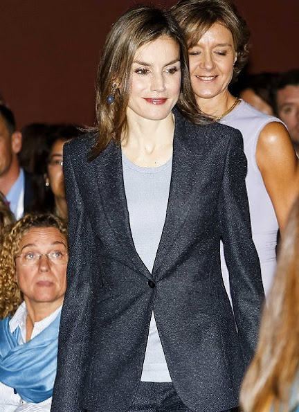 Queen Letizia wore Hugo Boss pantsuit, Magrit pumps, new season bag