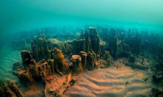Castillo armenio de 3000 años encontrado bajo el lago Van