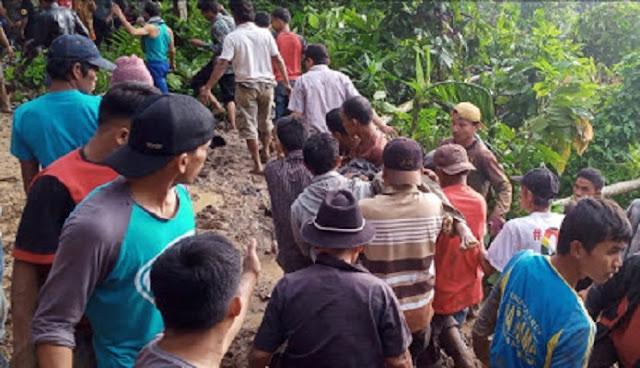 Hujan Deras Akibatkan Banjir dan Longsor di Solok, 1 Orang Tewas