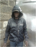 I am leasing out my gun - Gangster from Kayole fearlessly parades his pistol on facebook (PHOTOs).