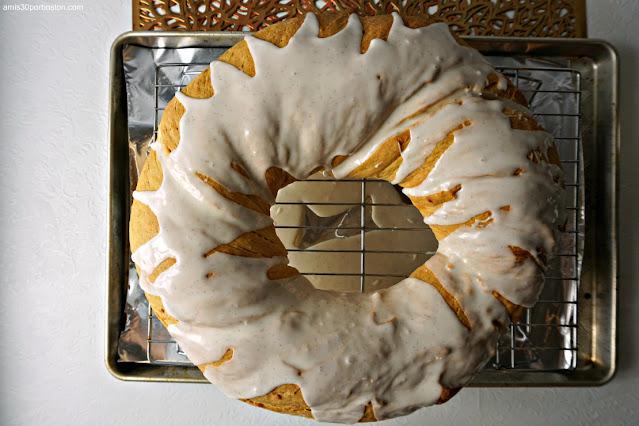 Rosca del King Cake con el Glaseado