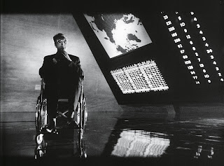 Dr. Strangelove or: How I Learned to Stop Worrying and Love the Bomb, directed by Stanley Kubrick. Dr. Strangelove (Peter Sellers.) (GB/United States; 1963-64). © Sony/Columbia Pictures Industries Inc.