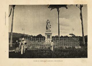 Statue de Joséphine (avant sa destruction)