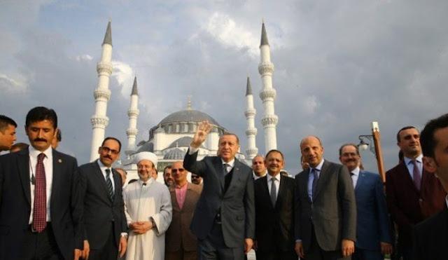 Ο Ερντογάν ανεβάζει τη θερμοκρασία σε Αιγαίο και Κύπρο