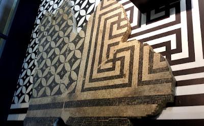 Des mosaiques ornaient les sols et murs des bâtiments publics et privés dans tout l'Empire romain.