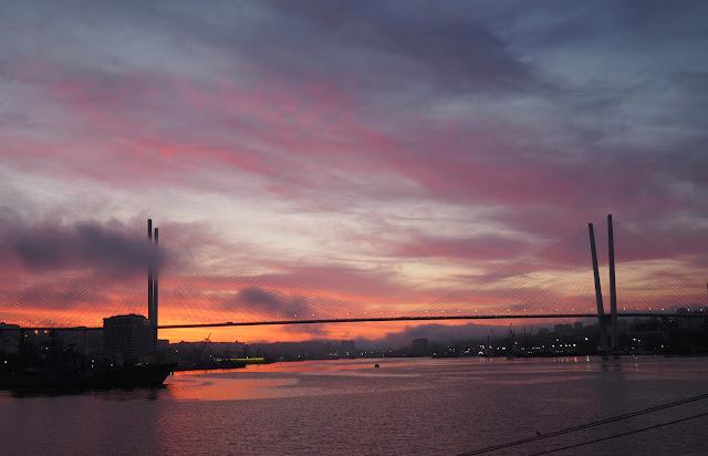 Владивосток - бухта Золотой Рог, восход солнца