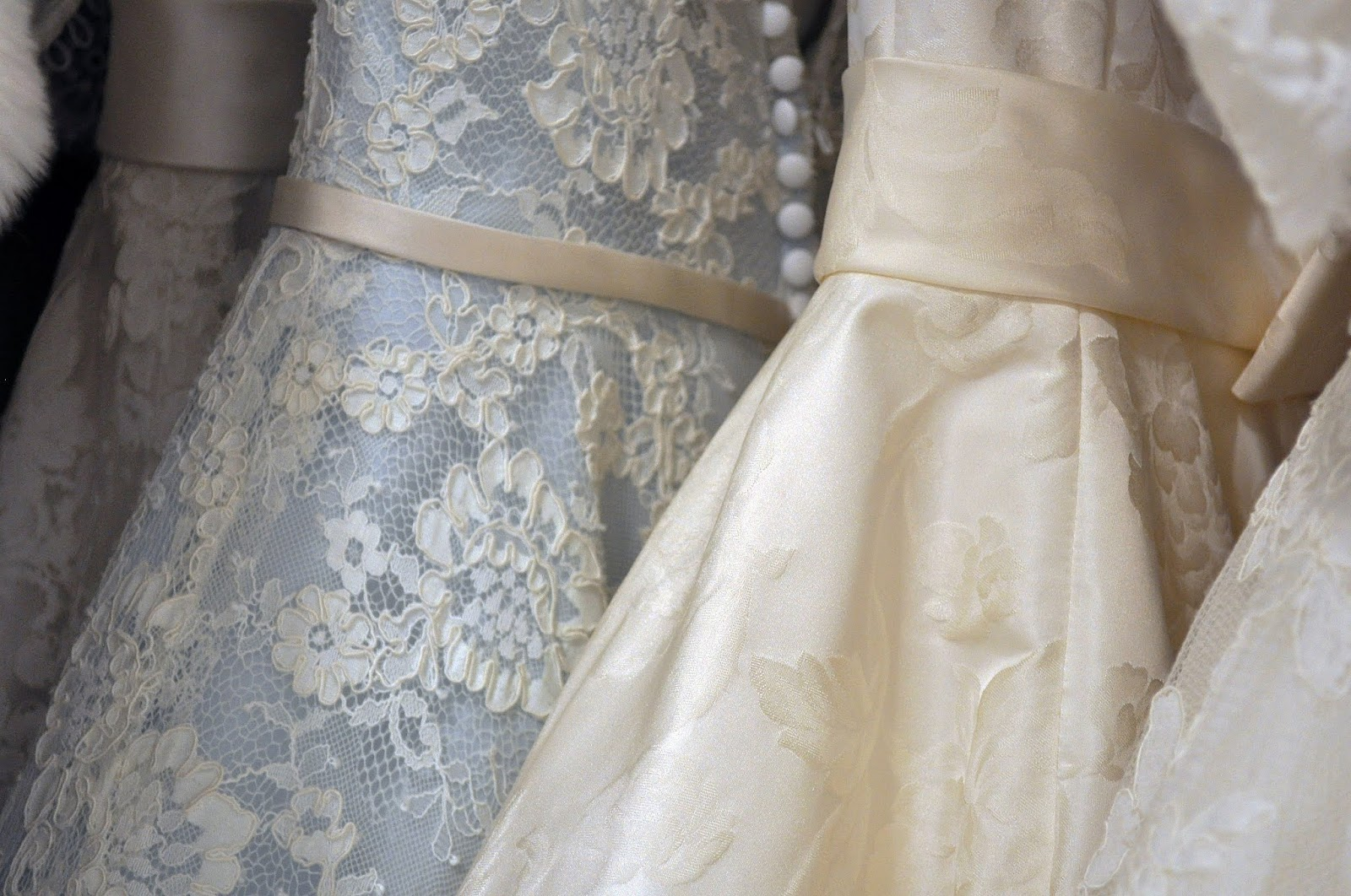 tips for beating wedding dress anxiety