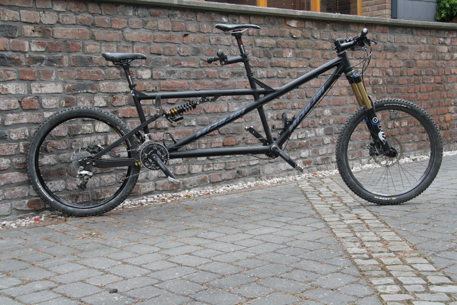 Nicolai Custom Bikes: Enduro-Tandem