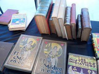 Libros en el desembalaje de Oviedo
