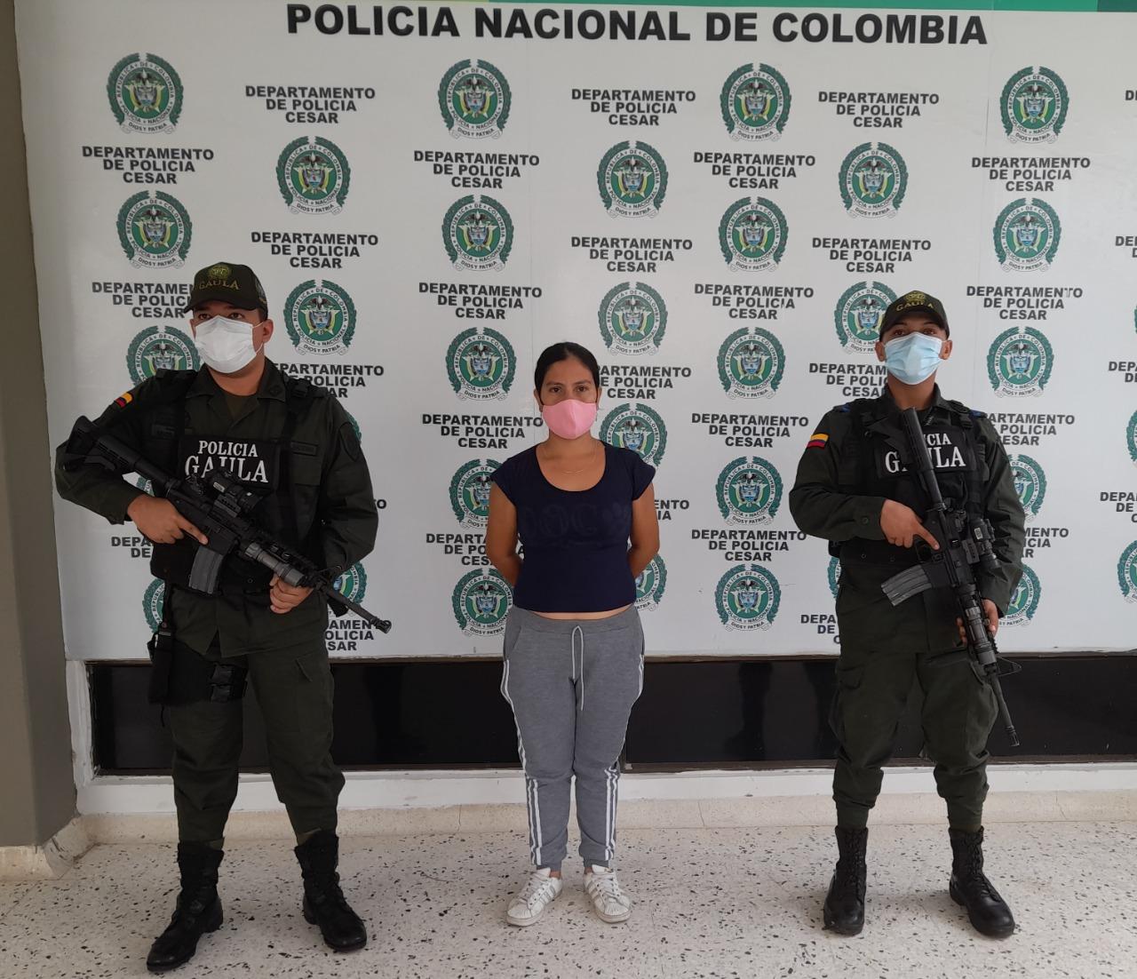 https://www.notasrosas.com/Detenida por Extorsión en el Mercado Público, de Valledupar