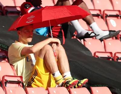 CĐV nghi ngờ Arsenal nói dối về Mesut Ozil