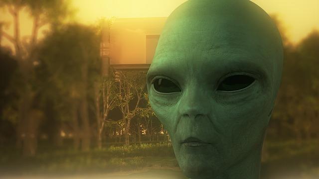 अज्ञात ग्रह का प्राणी और कबीलाई - Alien Story in hindi