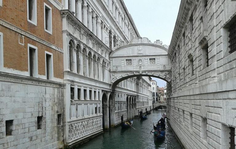 puente-suspiros-visitar-venecia
