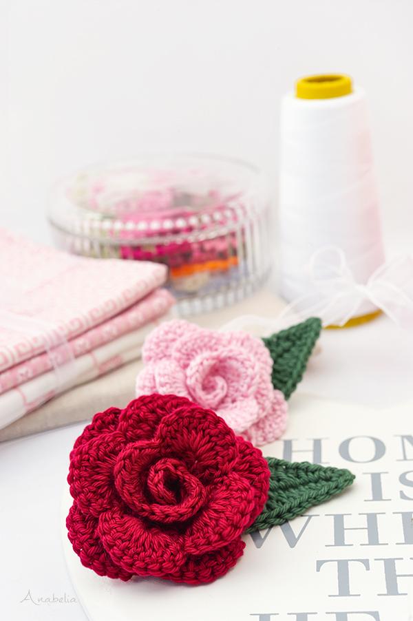 Natural-looking crochet rose, free pattern