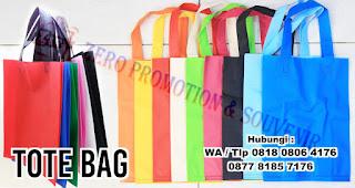 Tote Bag merupakan hadiah yang bisa kalian berikan saat sahabat kalian ulang tahun