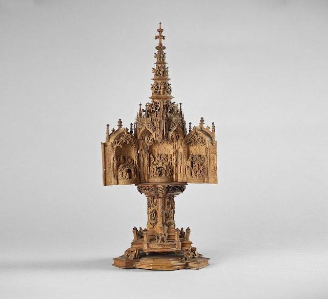 Small Wonders, pequeñas esculturas de madera talladas a mano