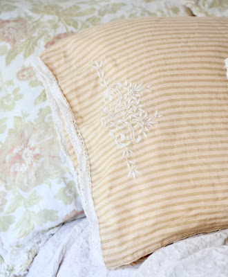 vintage style pillow case