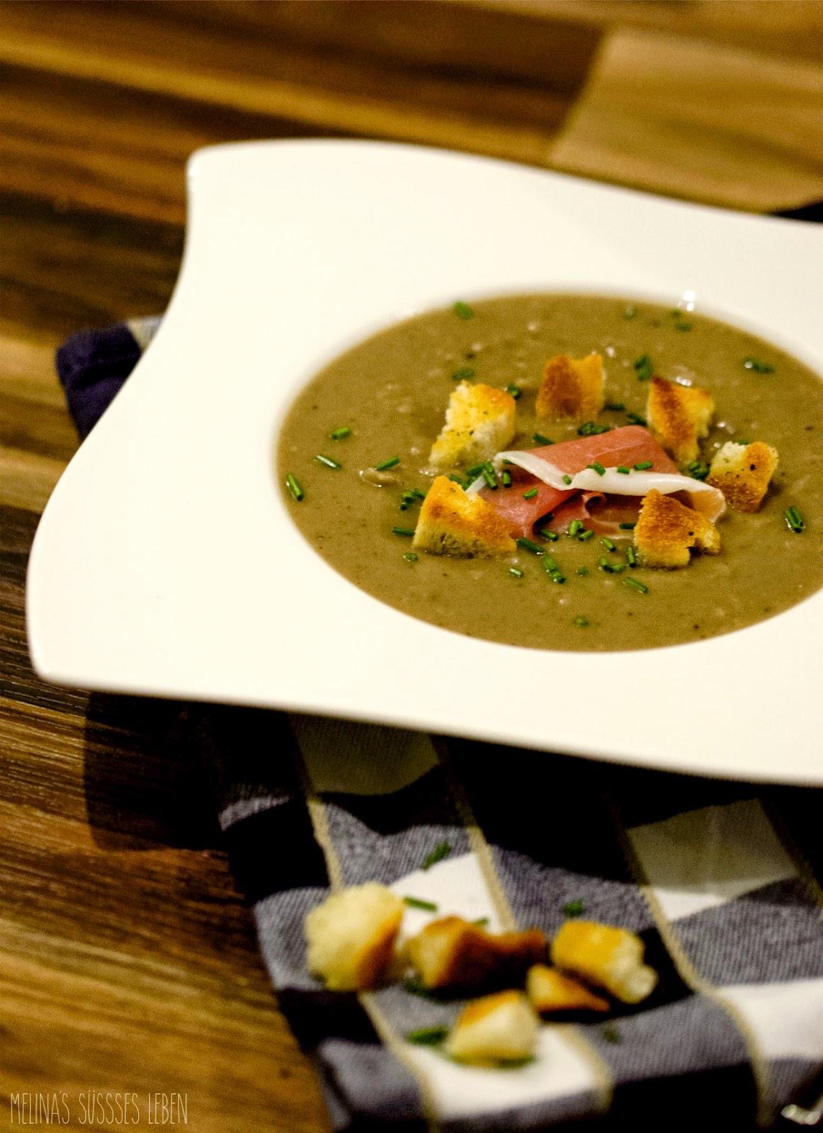 melina 39 s s es leben maronensuppe mit croutons und serrano weihnachtliche vorspeise. Black Bedroom Furniture Sets. Home Design Ideas