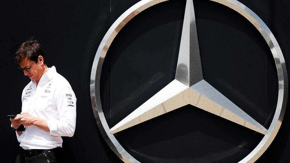 Wolff quer manter o ímpeto da Mercedes na Hungria após polarizar o confronto entre Hamilton e Verstappen