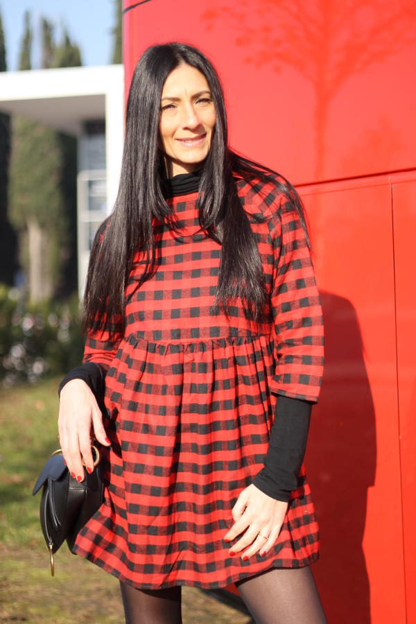 SHEINgal, themorasmoothie, shein, tartan dress, tartan mania, tartan outfit, influencermarketing, influencersofinstagram, instablogger, tartanstyle, vestito tartan , look in tartan, tartan look, tartan fashion, fashionblogger, italian fashion blogger, fashion blogger italiana, woman fashion, look autunnale, come indossare il tartan
