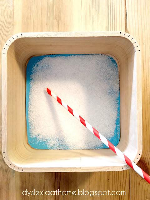 κουτί, αλάτι, γρααφή, δυσλεξία
