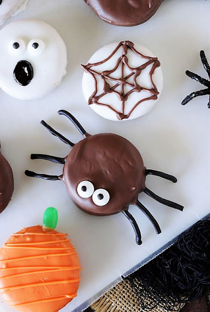 Spider Halloween Peanut Butter Ritz Cookie or Oreo Image