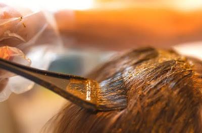 Hair-Coloring-Using-Henna