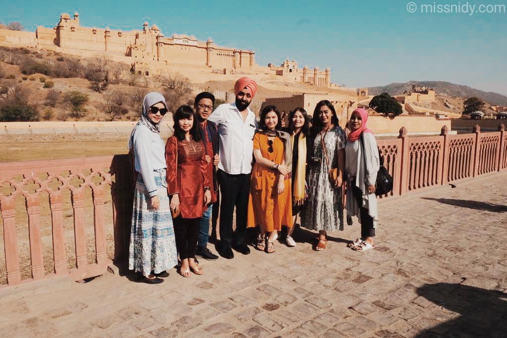 travelling ke india sewa mobil plus supir