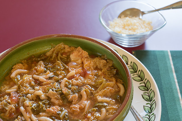 sopa de col o sopa de repollo ideal para diera, una sopa quema grasas ideal para después de las fiestas de navidad