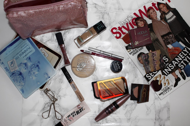 what is in my travel makeup bag