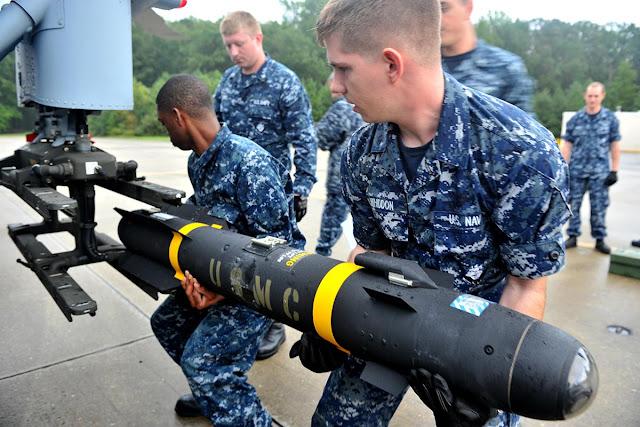Quân đội Mỹ lắm Hellfire missle