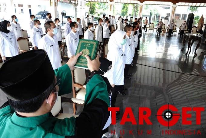 Lantik Pejabat di Lingkungan Pemkab Pati, Bupati Haryanto Tekankan Pelayanan Masyarakat Harus Maksimal