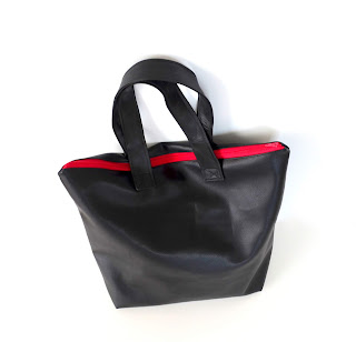 https://www.eleojota.com/2019/09/tote-bag-polipiel.html