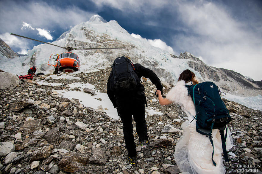 Breathtaking Pictures Of A Couple Who Got Married On Mount Everest
