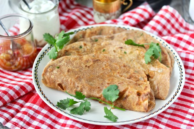 Aloo Paratha (Indian Spicy Potato Bread) Recipe