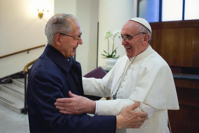 Бенджамин Фулфорд: Хазарская мафия COVID-19 не справилась с захватом власти, Билл Гейтс теперь ходячий мертвец 25.05.2020 Bergoglio-nicolas-05